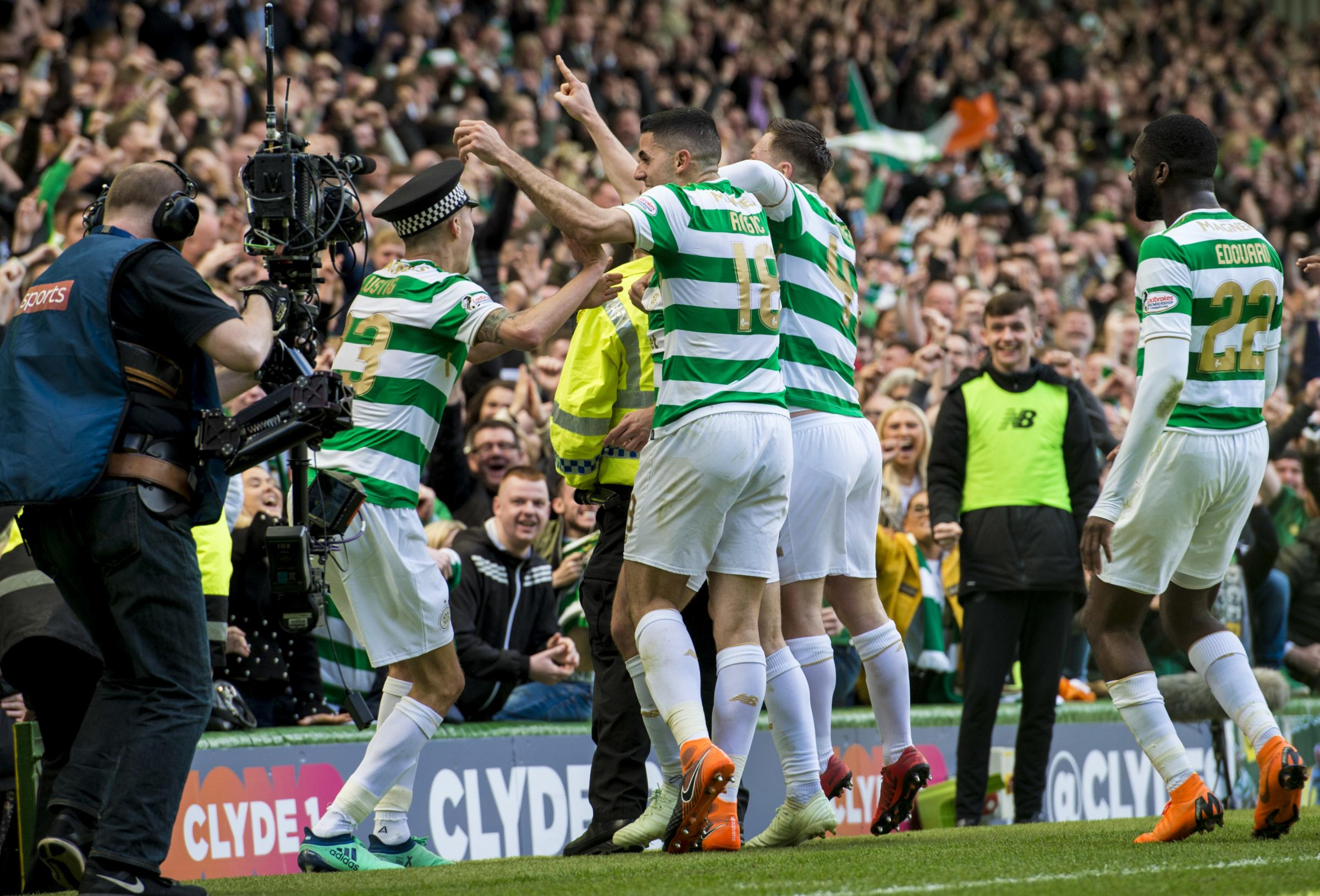Davie Hay: Celtic need to get a right back in quick after Mikael Lustig's departure