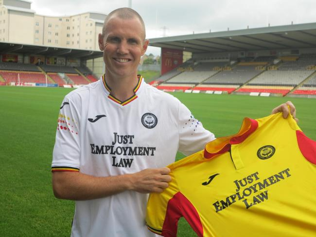 Kenny Miller is unveiled at Firhill