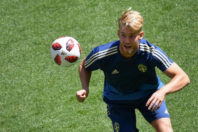 Filip Helander trains with Sweden
