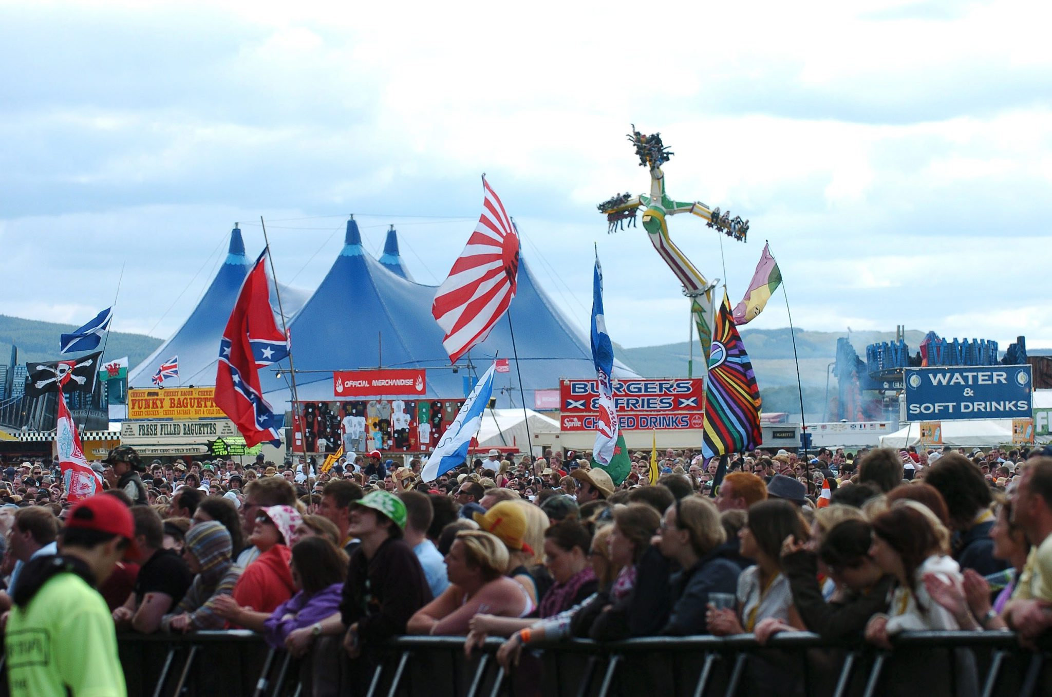 Music fans share memories of first T in the Park festival in Strathclyde Park