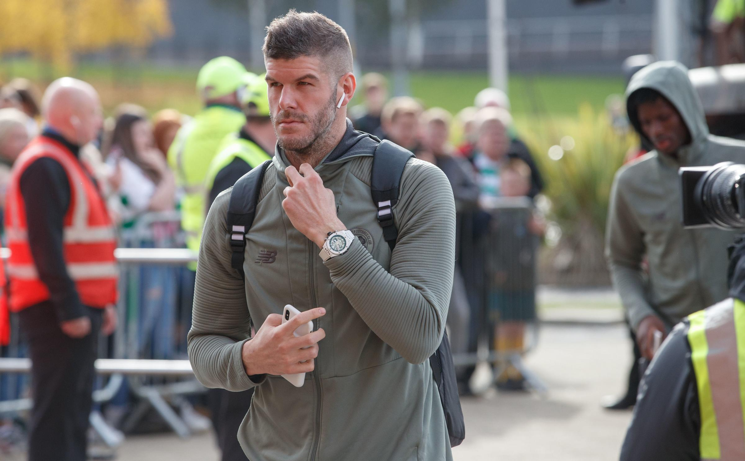 'Clown' Fraser Forster should be Southampton number one, says Celtic teammate Mohamed Elyounoussi