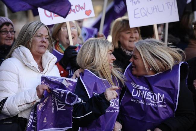Glasgow city council agrees final funding deal to cover equal pay settlement