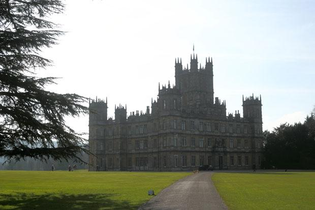 Charity fundraiser will allow Downton Abbey fans to live like lords...for a few hours
