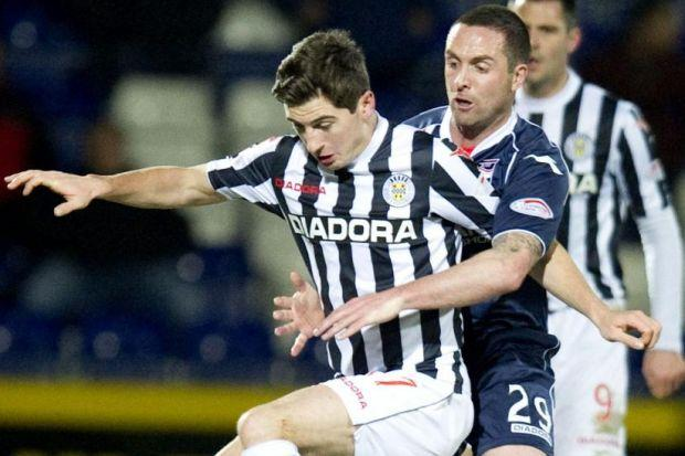Ross County's Mark Fotheringham gets up close and personal with St Mirren's Kenny McLean in last night's match
