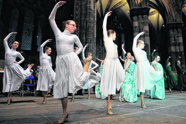 Visual Statement Dance Company join in the Glasgow Cathedral celebrations