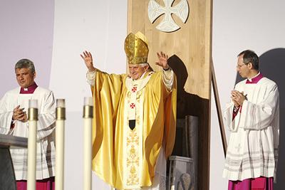 In Pictures: Pope Benedict XVI visits Bellahouston Park