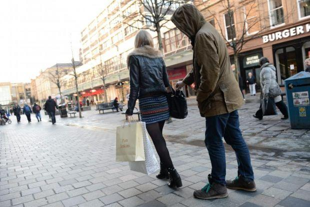 Police have warned that pickpocket gangs are targeting Glasgow shoppers