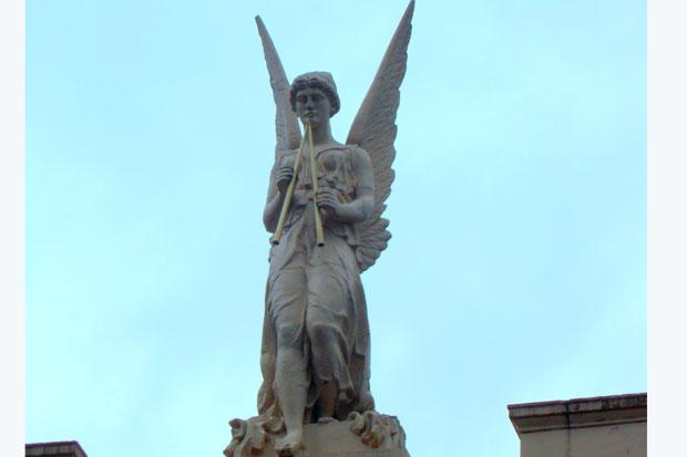 Eye Spy Glasgow: Look up and you will see the angel
