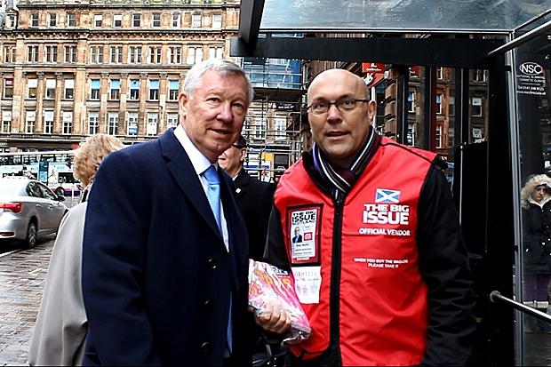 Sir Alex Ferguson with guest vendor Ross Martin. Pic Andrew Revill / INSP