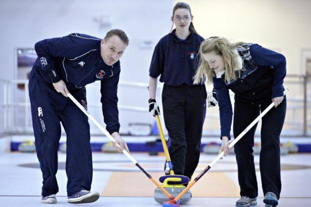 The competitive pair try their hands at Braehead ice rink, coached by Laura Yuill