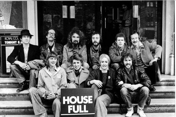 Billy Connolly with the Borderline Theatre cast of his play An Me Wi' A Bad Leg Tae. Back row - Martin Callister, Jimmy Kennedy, BillyConnolly, Alex Norton, Sandy Morton, Bill Paterson. Front - Simon Tutchener, Margot Gillies, Saria Ballantyne, Stuart Mun