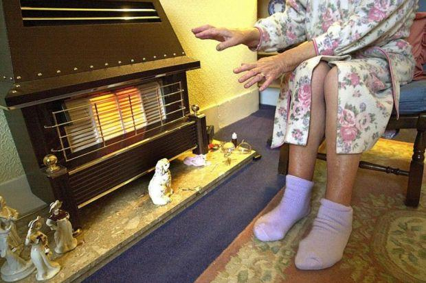 Councillors are looking at a scheme to help householders tackle fuel poverty