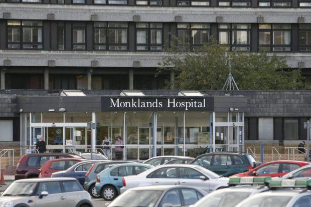 A nurse who froze when a patient suffered a cardiac arrest has avoided being struck off