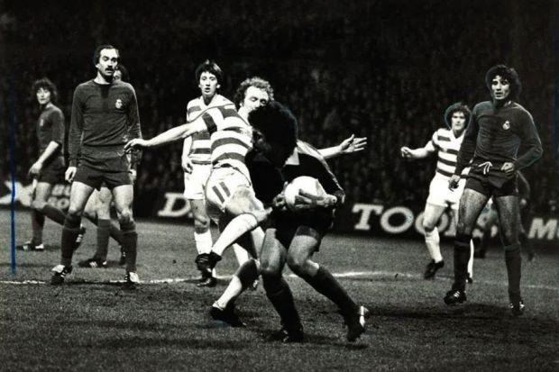 Johnny Doyle challenges Real Madrid keeper Ramon as George McCluskey and Roy Aitken look on during Celtic's 2-0 win in 1980. #SportTimestop50