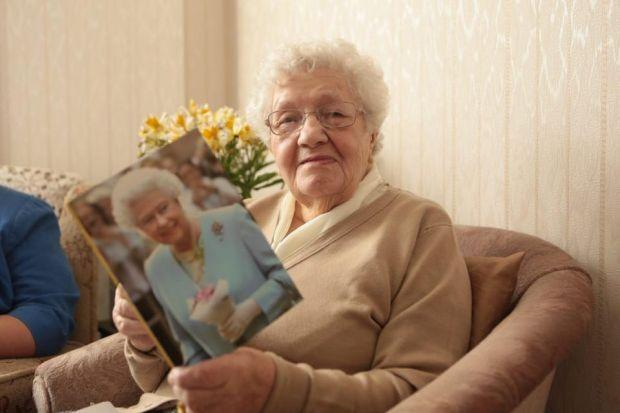 100-year old May Porteous received her birthday message from the Q