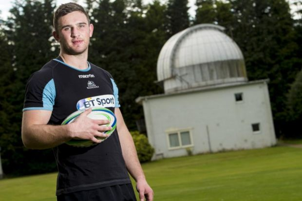 Scotland forward Adam Ashe has  joined Glasgow Warriors on a one-year deal