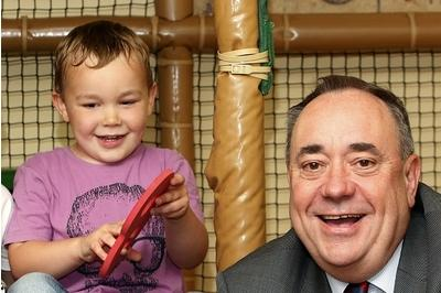 Salmond: I'll serve out my term as FM if there's a No vote