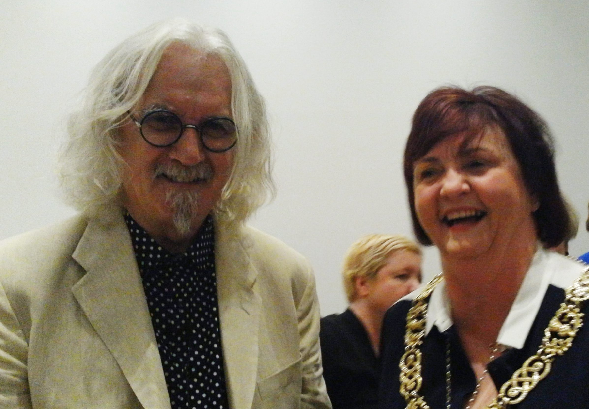 Billy Connolly catches up with man behind picture that's wowing New York