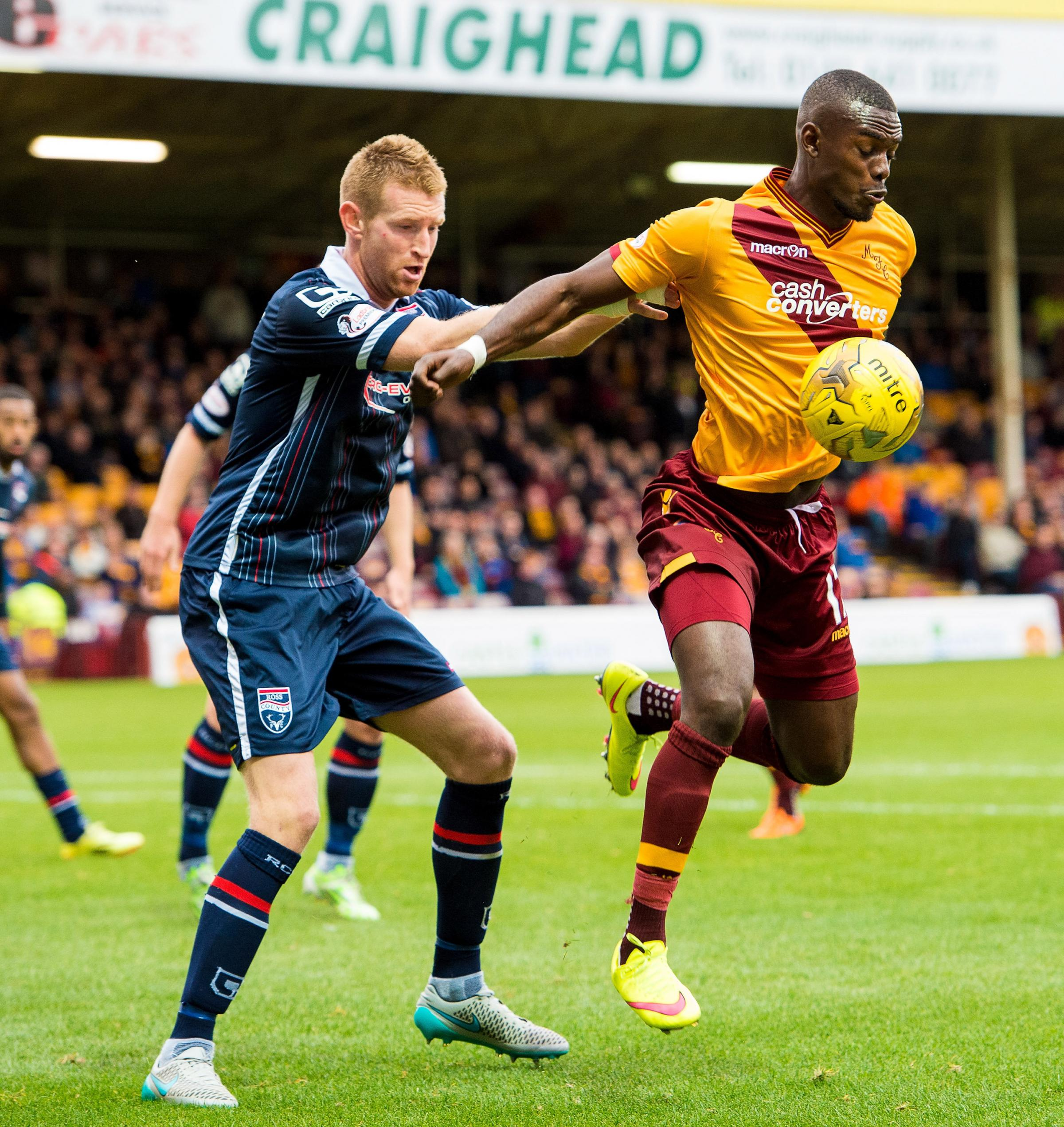 Striker Theo Robinson has left Motherwell to join Port Vale.