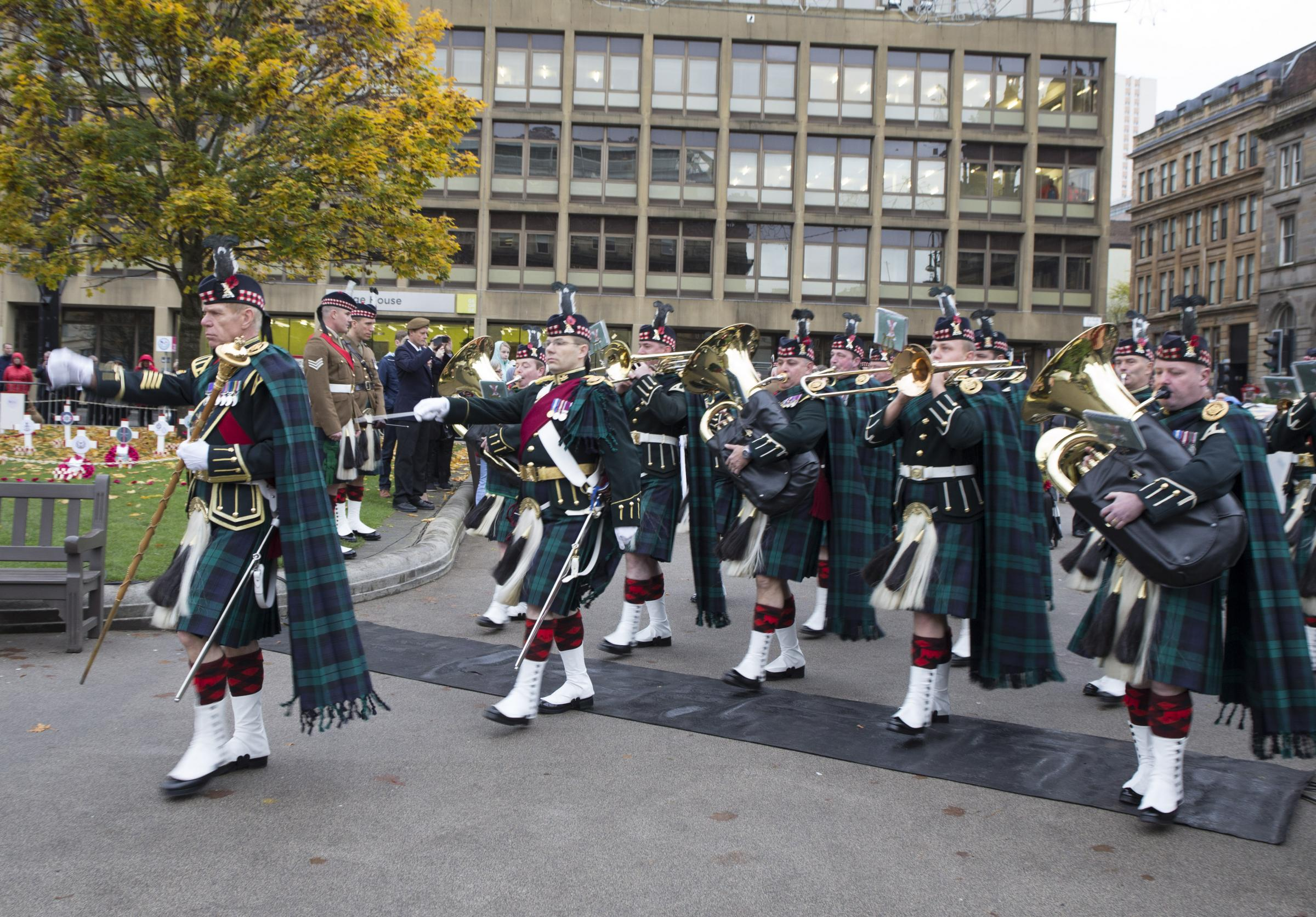 Dozens of Glasgow streets to close this weekend for Remembrance Day parade