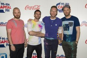 Coldplay bowl over fans as A Head Full Of Dreams tops album chart