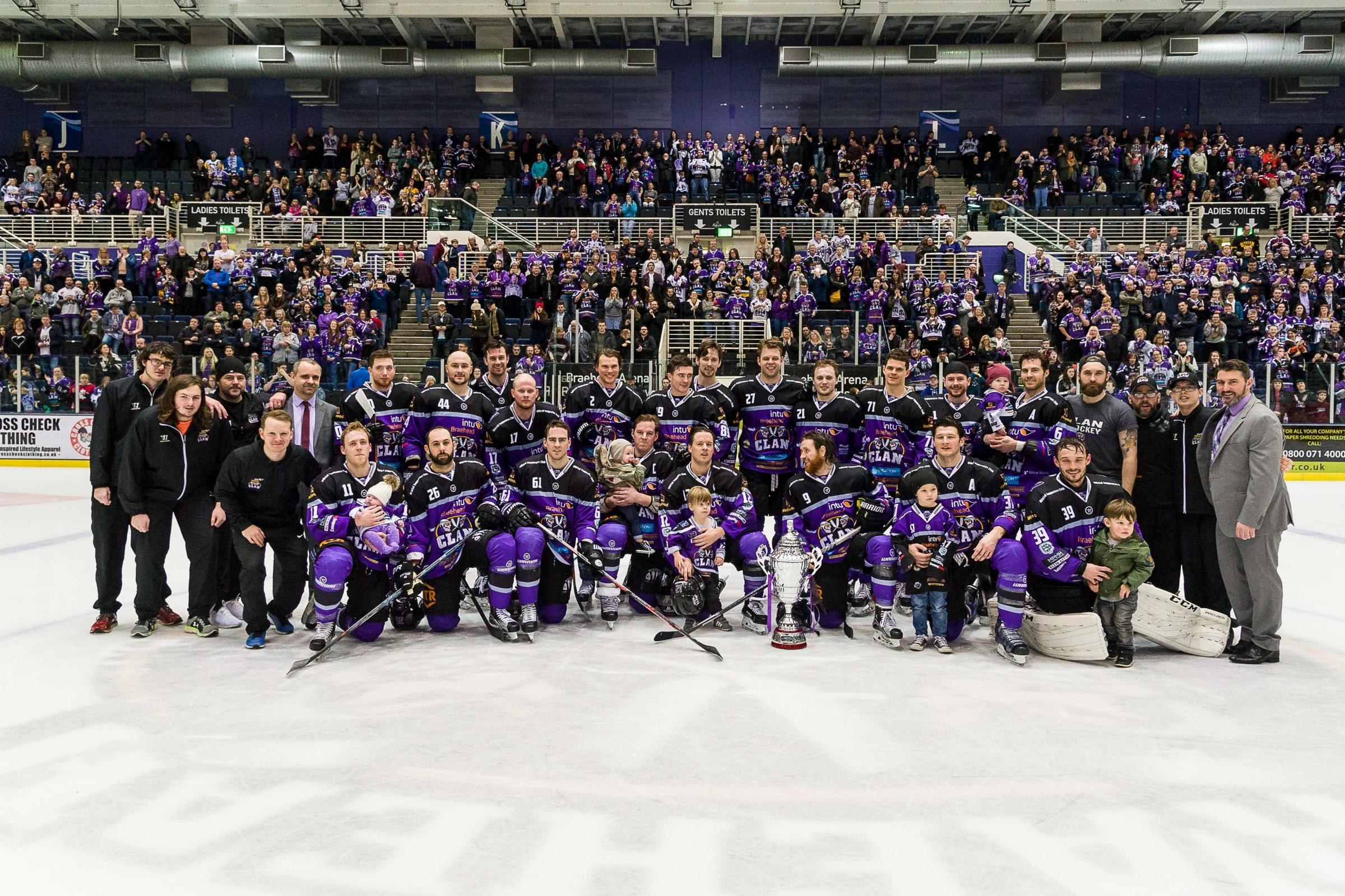 Braehead Clan defeat Dundee Stars 4-1 at Braehead Arena and clinch the 2016-17 Gardiner Conference  title on ,25 February 2017, Picture: Al Goold (www.algooldphoto.com).