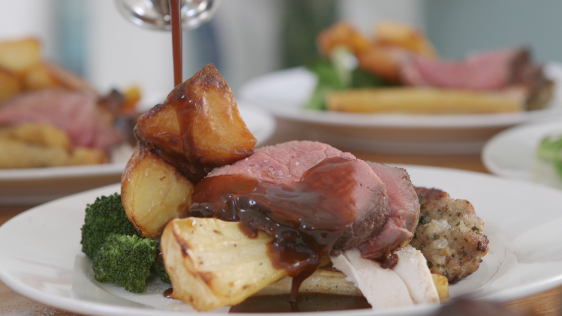 Video: How to create the perfect Easter Sunday roast