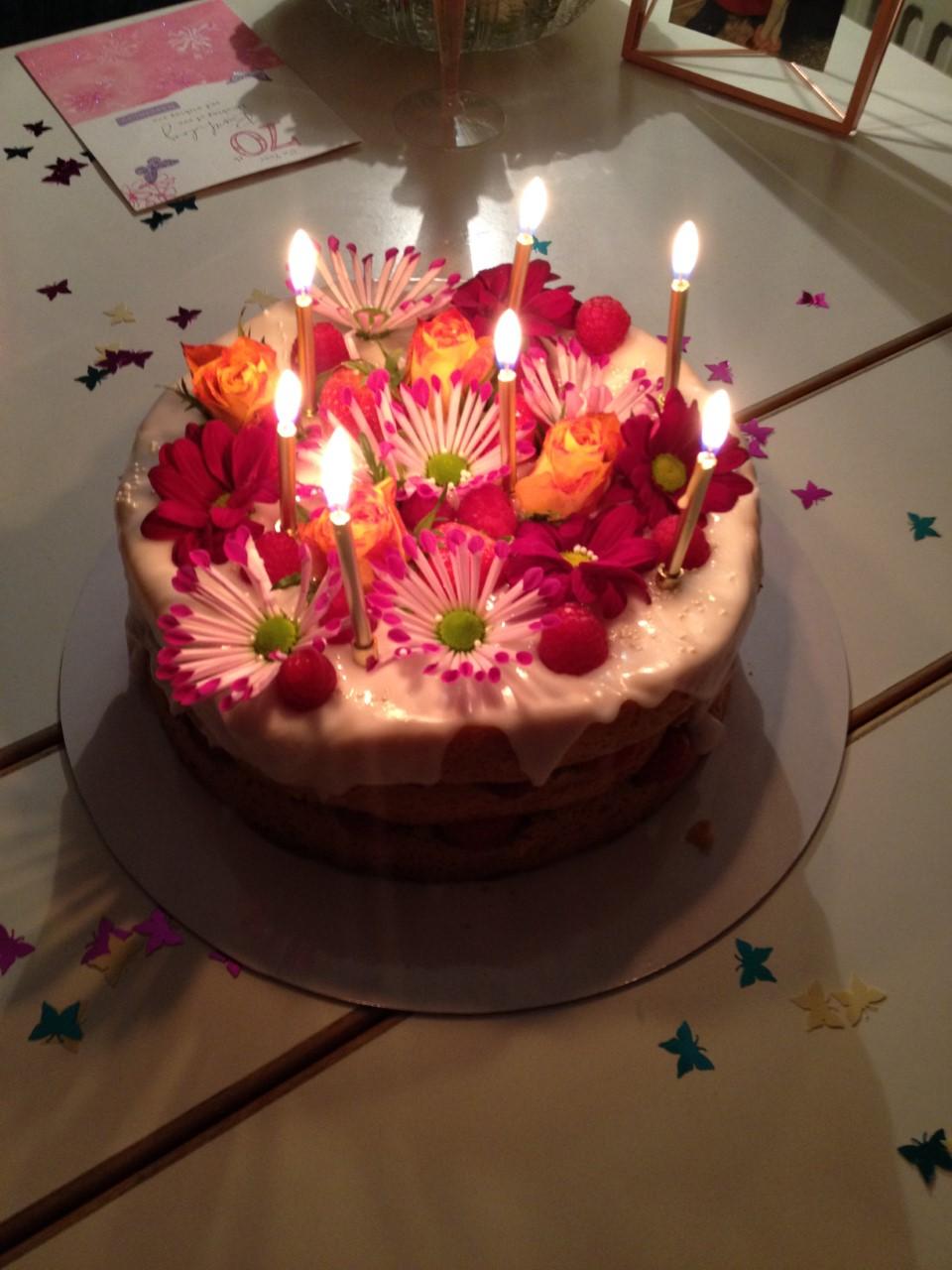 Cake lovers despair as popular Glasgow bakery announces closure