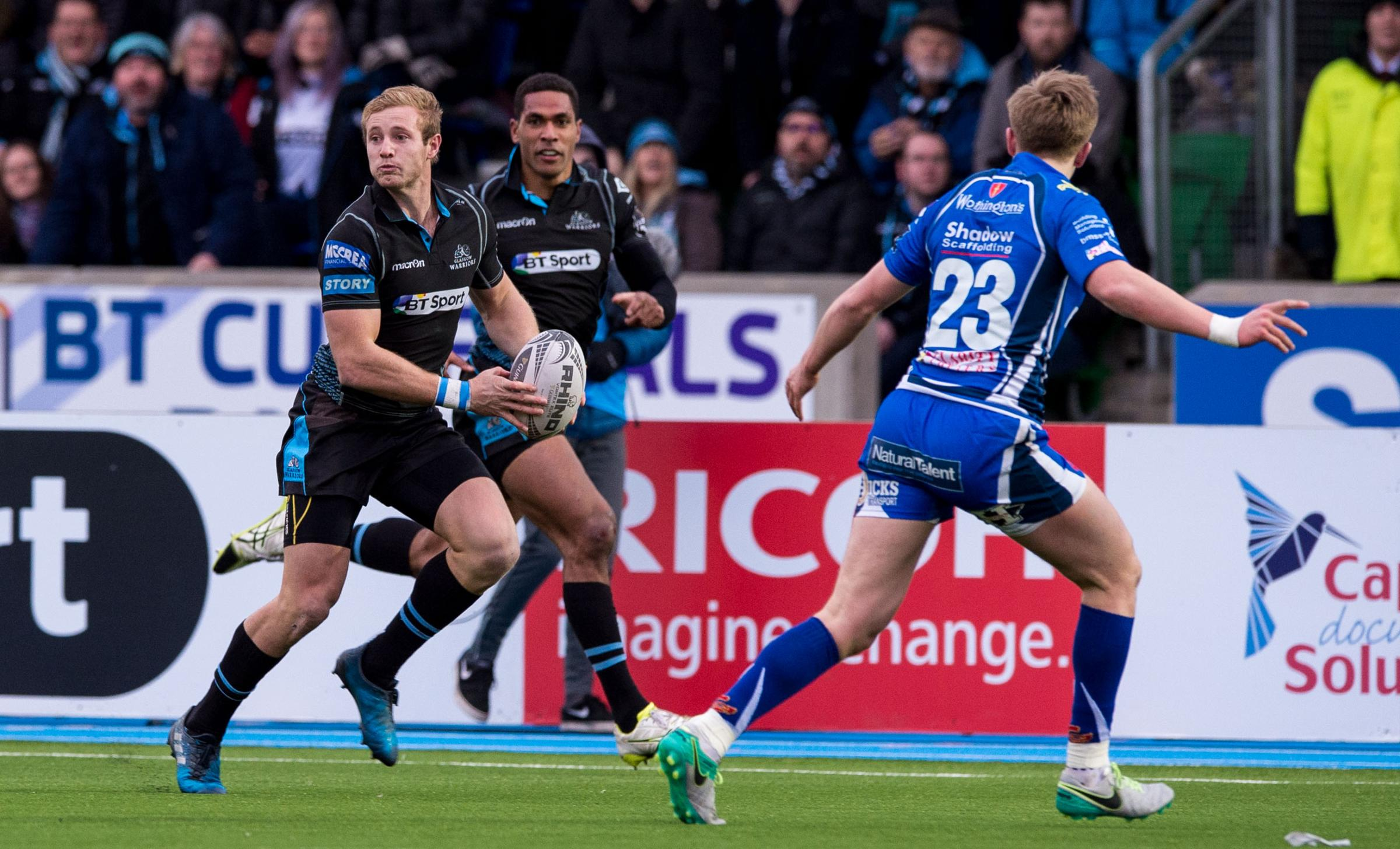 The fly-half has penned a two-year deal at Scotstoun