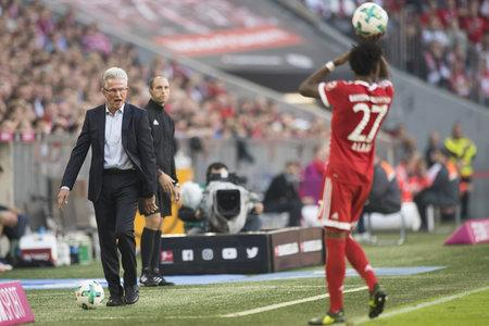 Evening Times: New Bayern Munich manager Jupp Heynckes gives out instructions to David Alaba on Saturday.