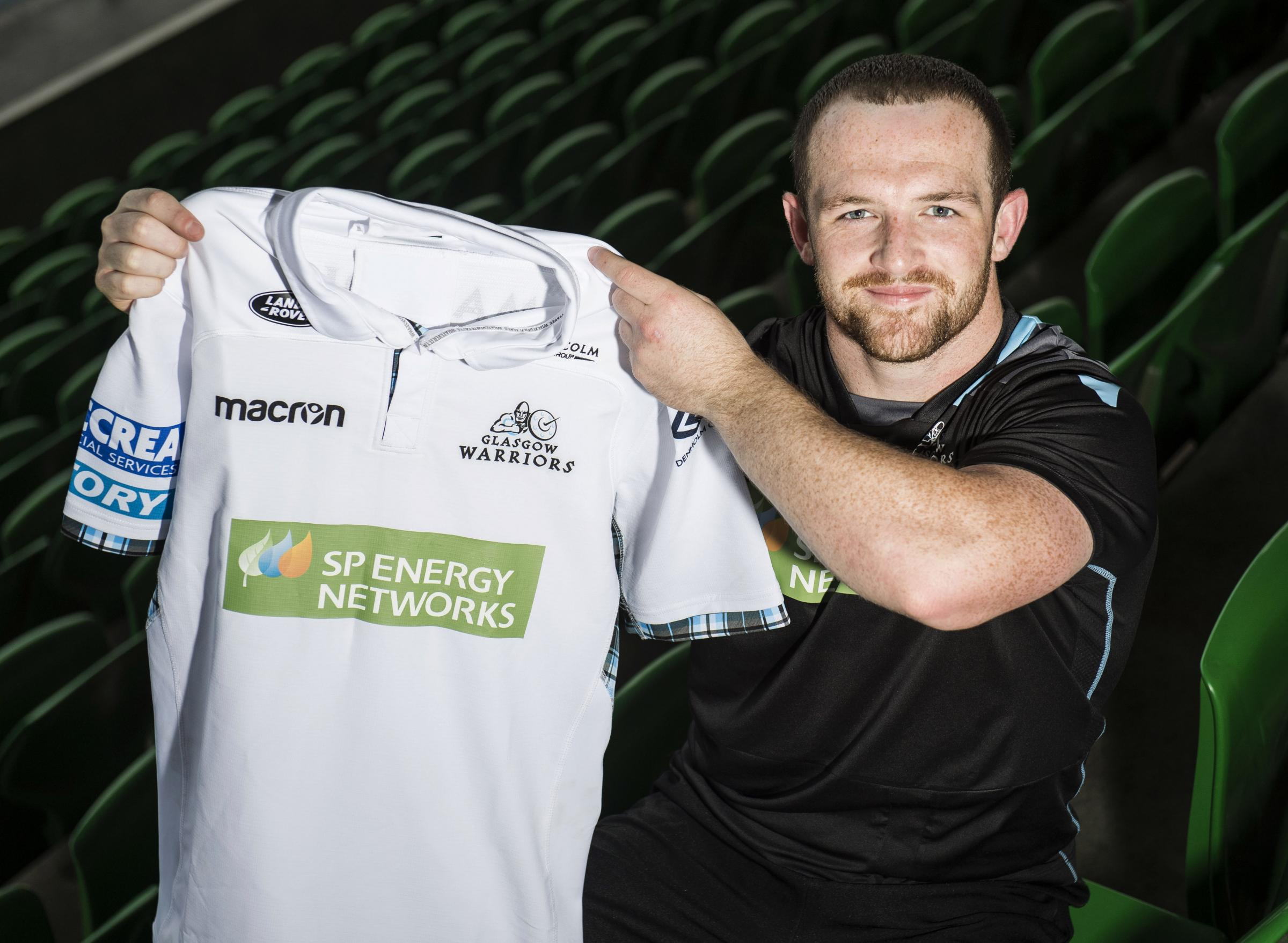 Glasgow Warriors' Nick Grigg has signed a new deal with the club until 2020