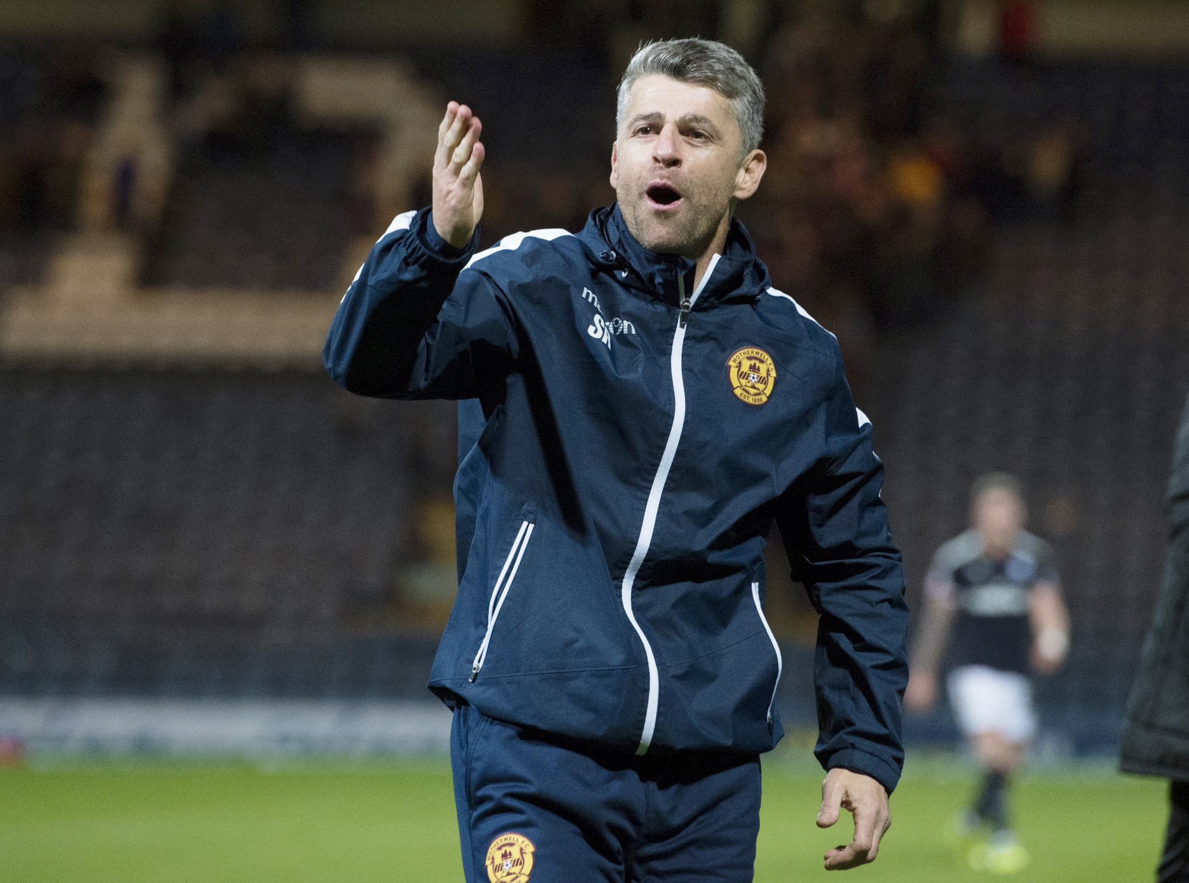 Stephen Robinson hopes that Motherwell can maintain their fine form against Hibs at Fir Park today.