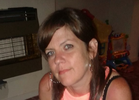 Mum-of-four who had benefits cut died cold and alone wrapped in a coat and scarf