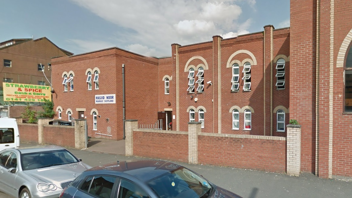 Worshippers at Glasgow mosque horrified as fight breaks out between