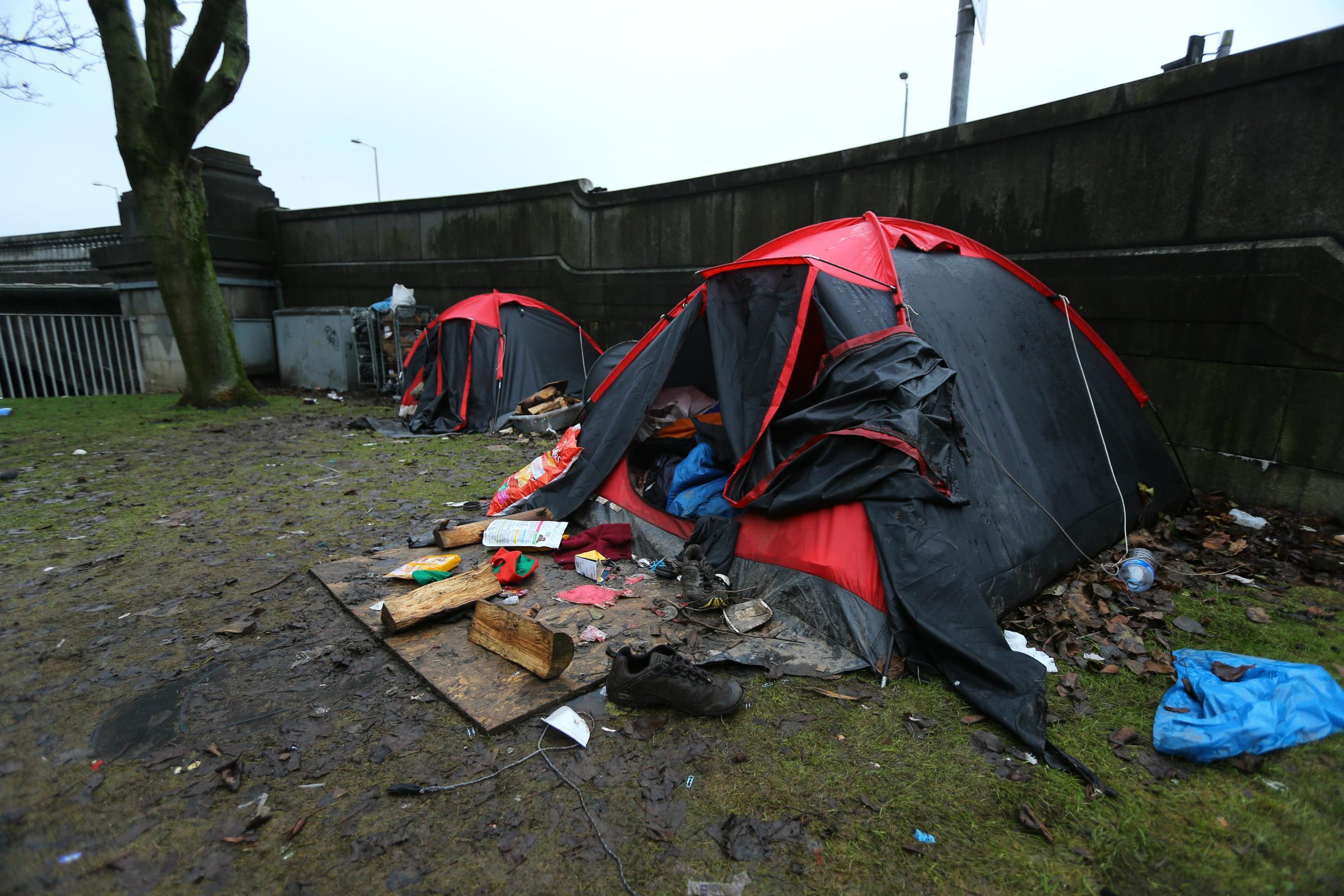Storm over homeless tent u0027villageu0027 at Glasgow bridge site & Storm over homeless tent u0027villageu0027 at Glasgow bridge site ...