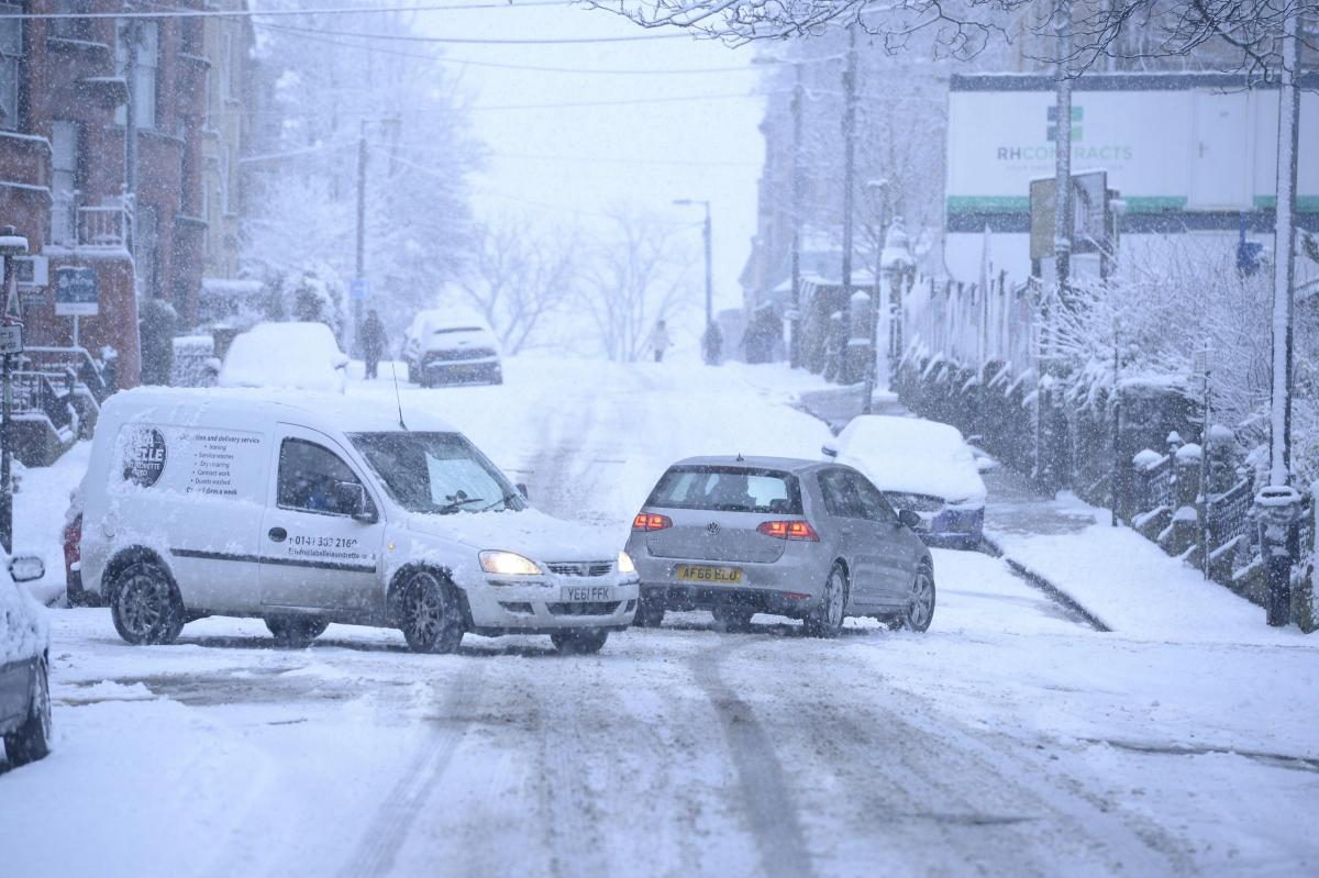 Arctic weather bomb heads for Glasgow as heavy hail, snow and ice to batter Scotland