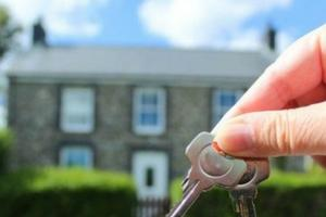 House-hunting? 10 top tips for first-time buyers