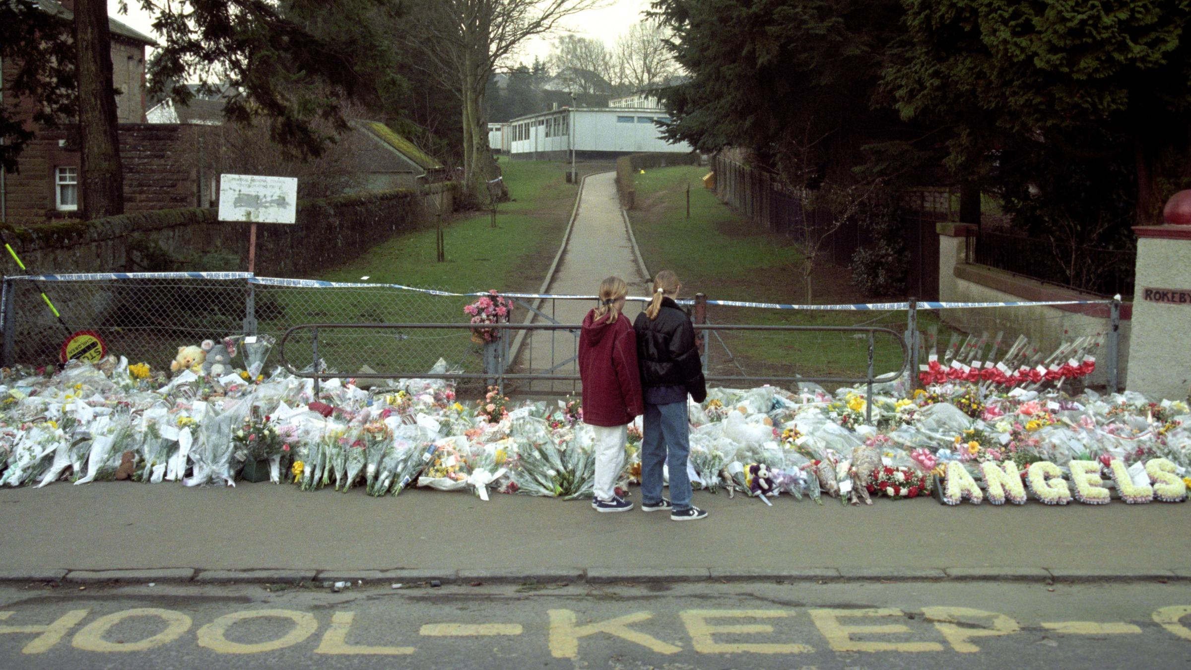 Dunblane massacre relatives in solidarity with Florida school shooting families