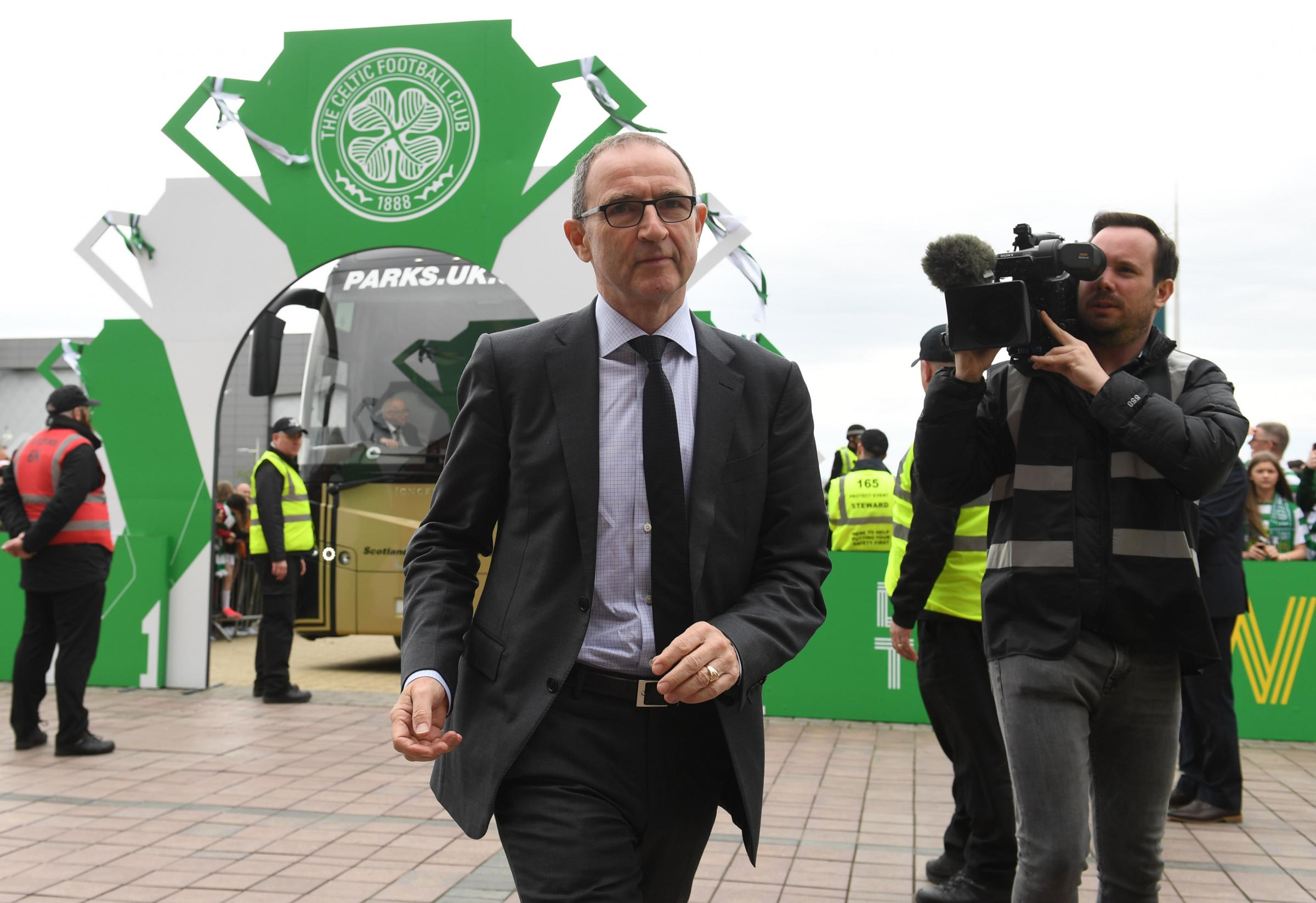 Martin O'Neill arrives at Celtic Park, leading the way for his Ireland squad (photo: SNS Group)
