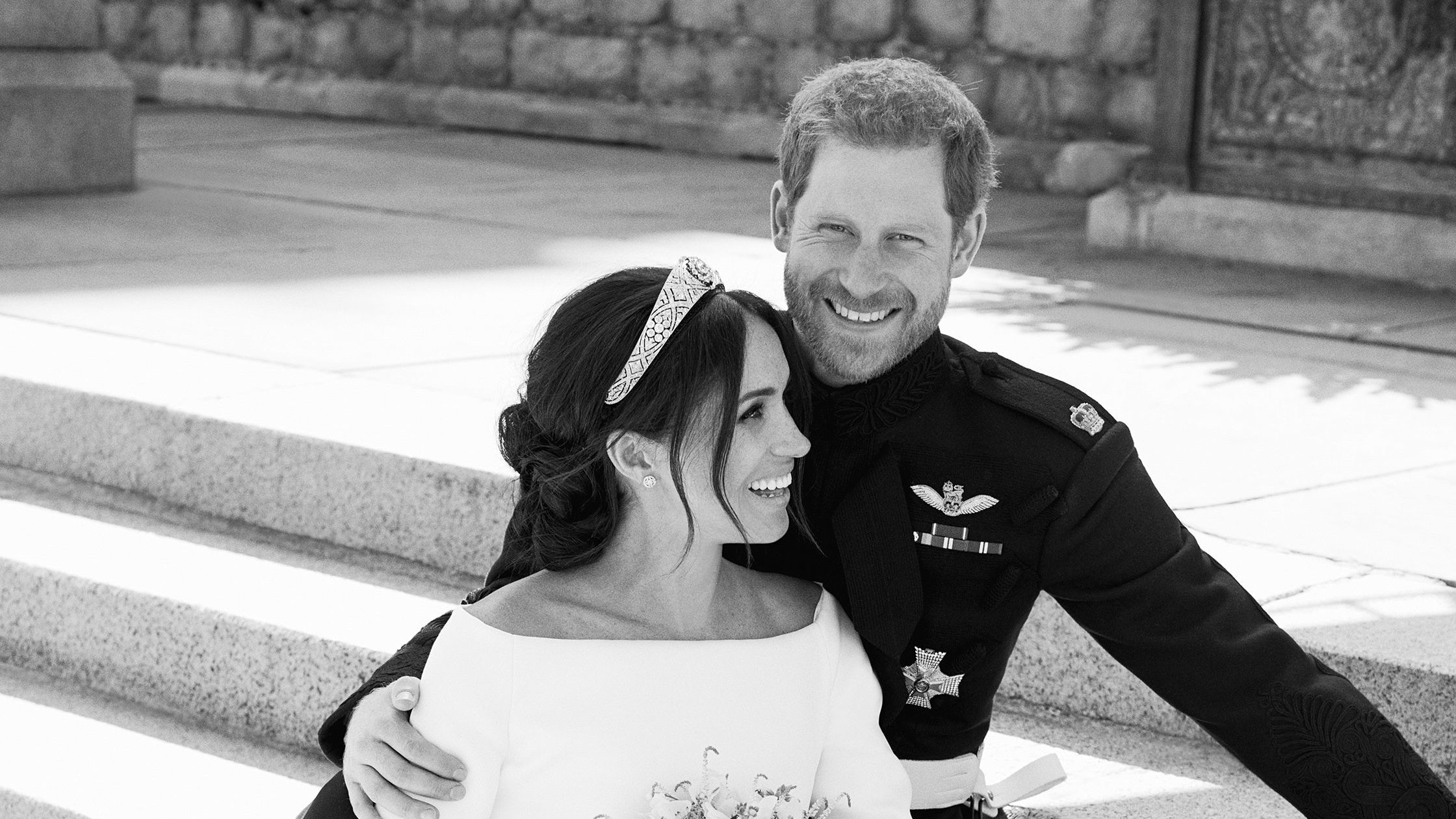 Harry and Meghan thank well-wishers as they release official wedding photographs