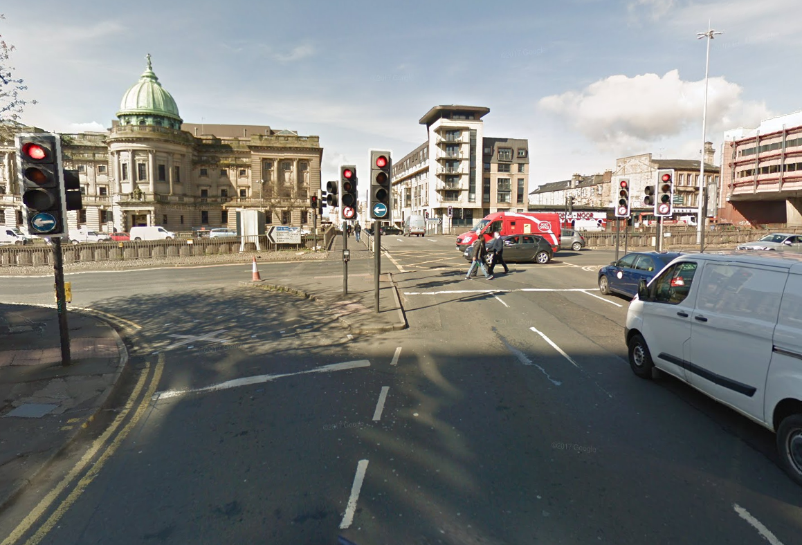 Woman, 21, 'extremely upset' after abduction attempt on Glasgow street during rush hour