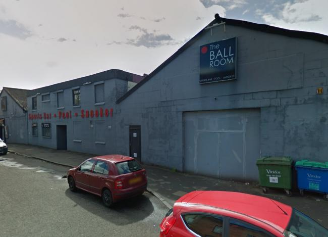 Teen 'stabbed' in Glasgow South Side snooker hall