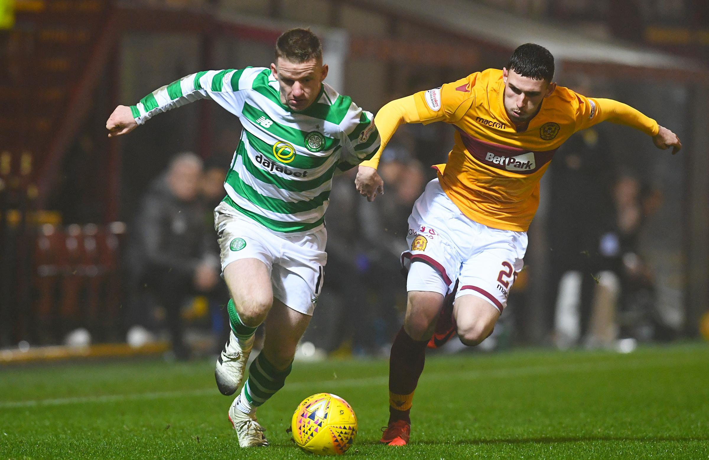05/12/18 LADBROKES PREMIERSHIP.MOTHERWELL v CELTIC.FIR PARK - MOTHERWELL.Celtic's Jonny Hayes (left) competes with Motherwell's Adam Livingstone.