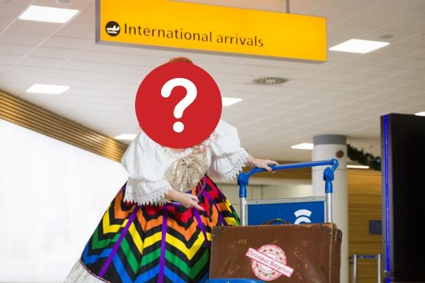 Actress and comedian surprises unsuspecting travellers at Glasgow Airport - and it's all been caught on cam