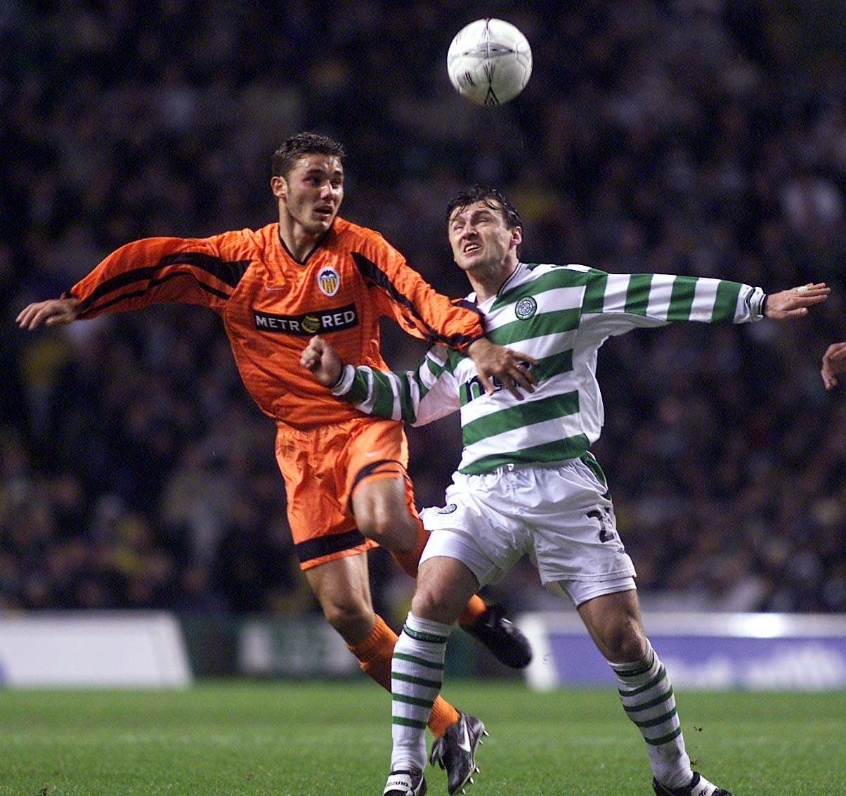 Roberto Ayala edges out Lubomir Moravcik when Valencia beat Celtic on penalties in 2001.