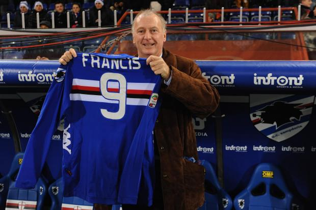 Evening Times: Trevor Francis is presented with a Sampdoria strip in 2012