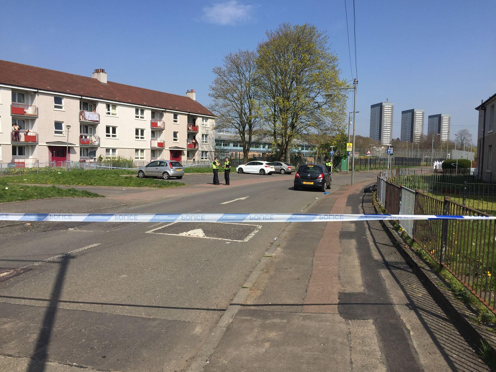 Eyewitnesses tell of shock as man 'stabbed' in Thornliebank
