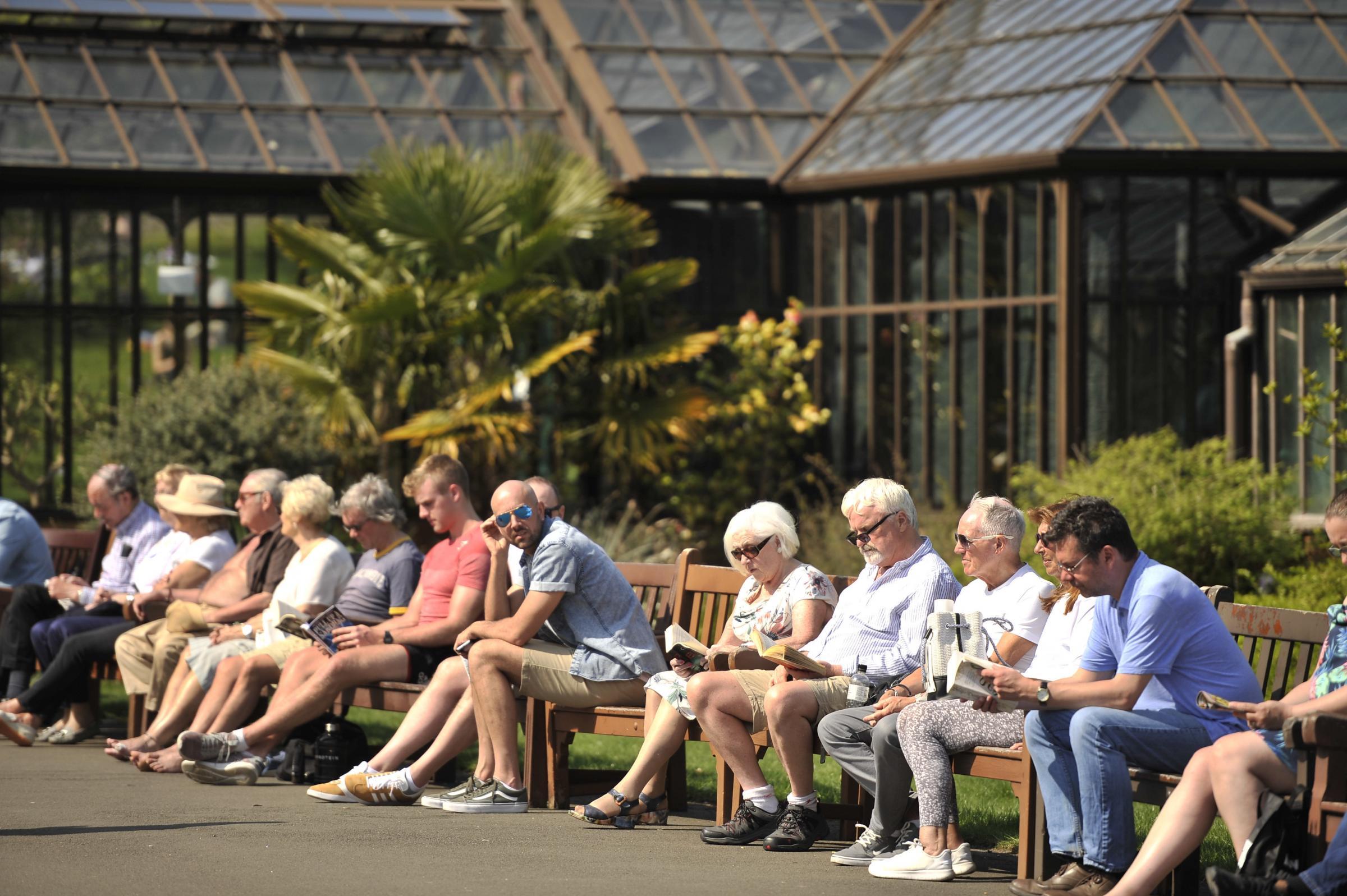 Glasgow Botanic Gardens full as revellers soak up last of bank holiday sun