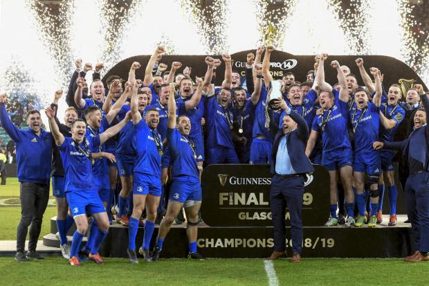 Leinster's Sean O'Brien lifts the Guinness Pro 14 trophy as the rest of the Leinster squad celebrate after defeating Glasgow during the Guinness PRO14 Final at Celtic Park, Glasgow. PRESS ASSOCIATION Photo. Picture date: Saturday May 25, 2019. Se