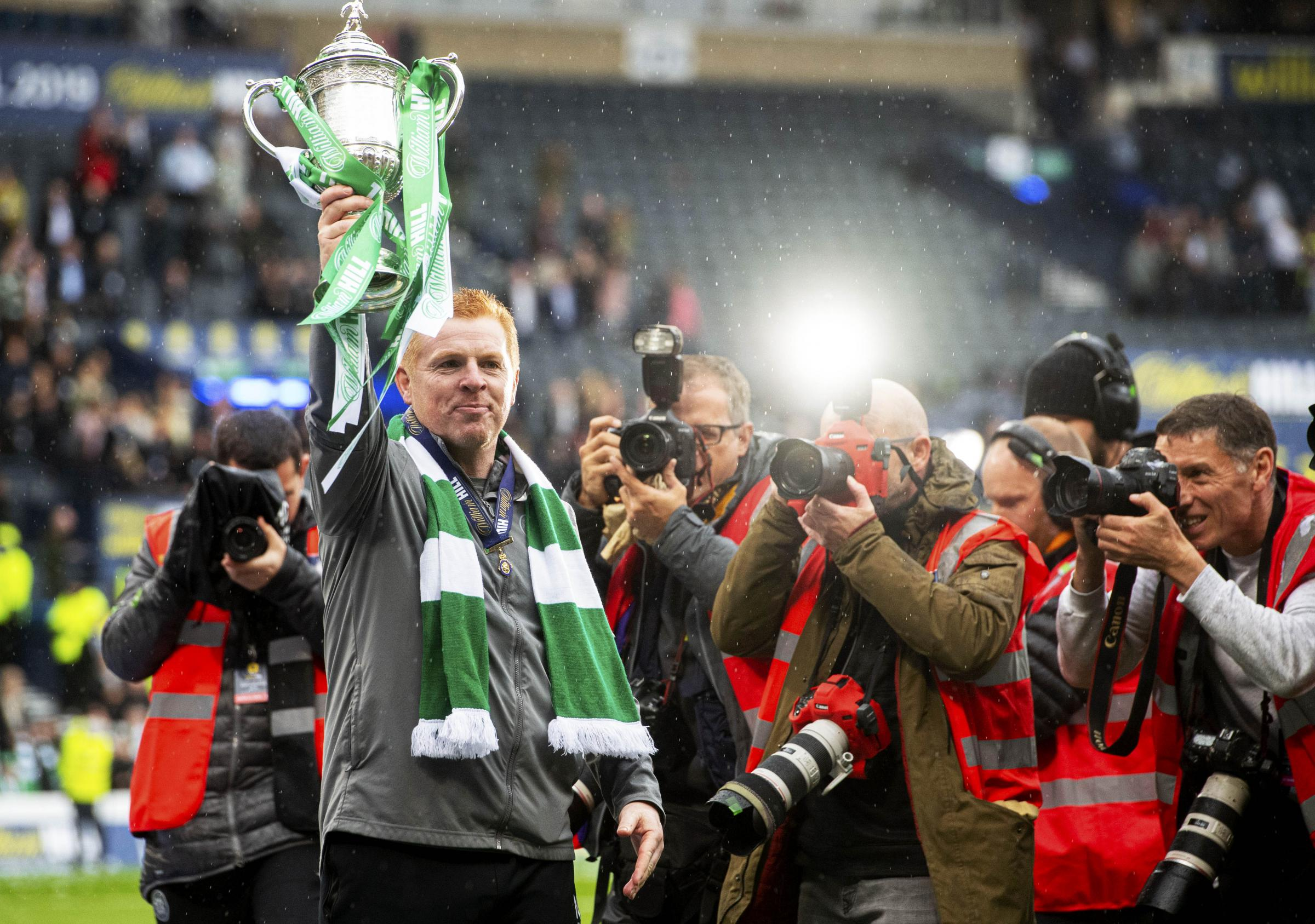 The Bulletin: Neil Lennon 'the right man for the job' | Rangers target hands in transfer request | Peter Lawwell 'no major rebuild needed at Celtic'